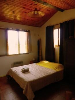 rustige-kamer-uitzicht-bergen-zuid-frankrijk