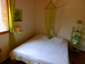 groene kamer breedhoek bed schilderij