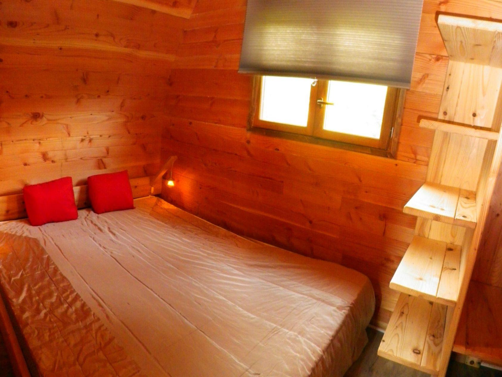 glamping-hut-panorama-slaapkamer-MQ