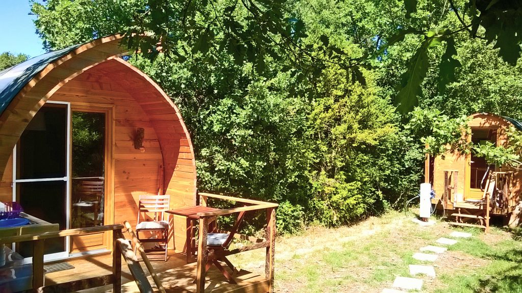glamping-lodge-2-front+bathroom-exclusive-HQ-web