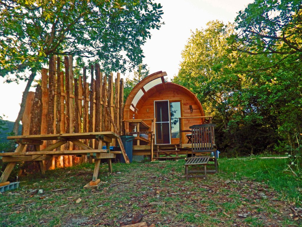 glamping-lodge-exclusive-front-3-web--color-hhq