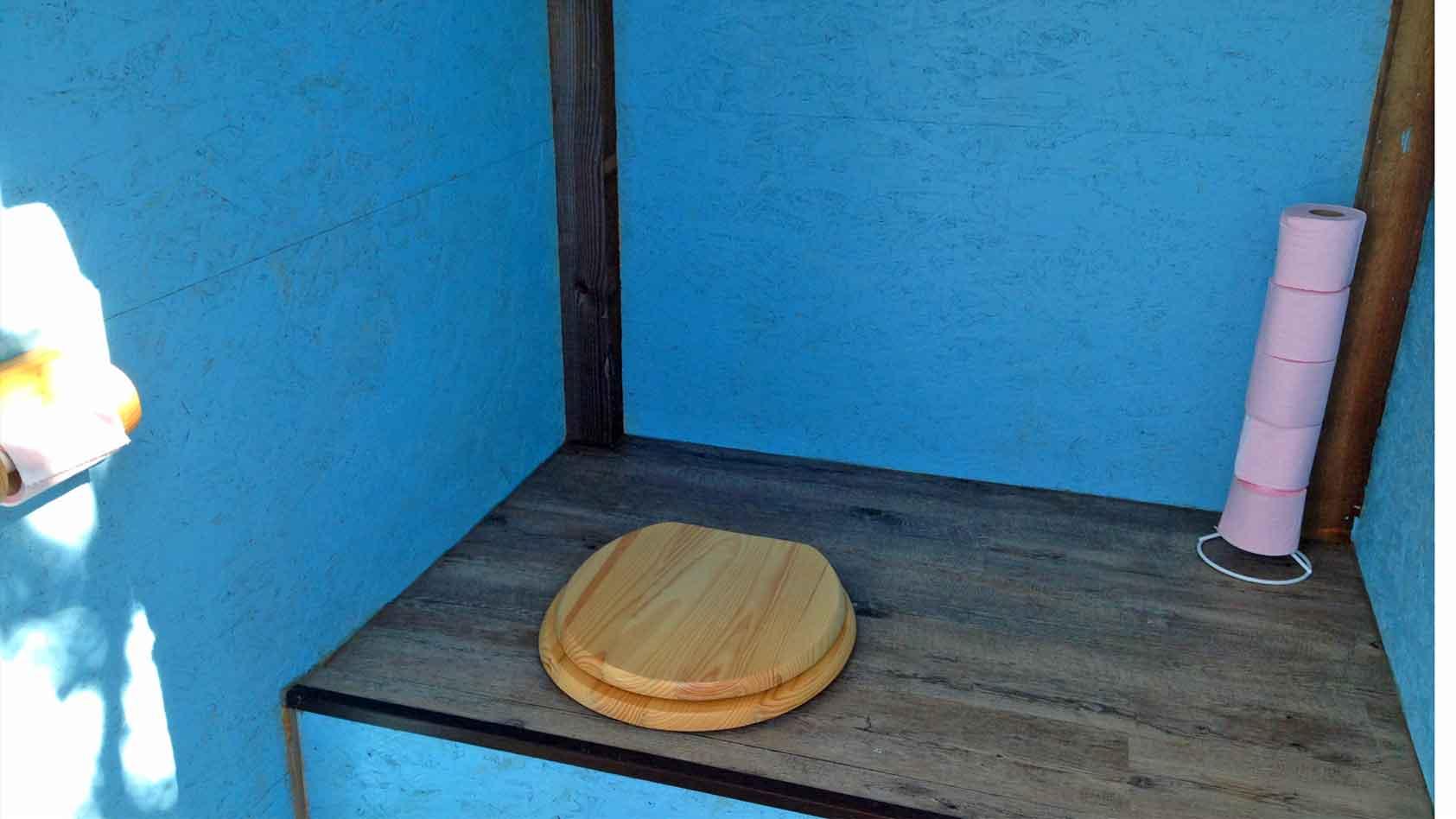 eco-compost-toilet-wc-blue-caravan-mobil-home-WeB